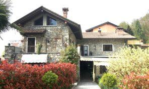 Immobile commerciale con due unità ad uso abitativo Nebbiuno