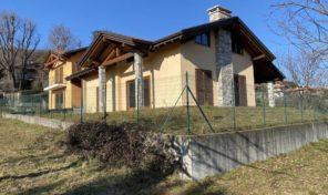 Villa bifamiliare Massino Visconti