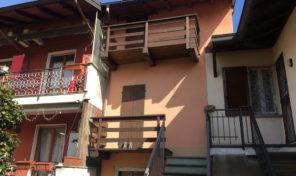 Casa di corte nel centro storico di Nebbiuno