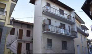 Casa in centro storico a Massino Visconti